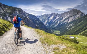 Quels sports pratiquer à la montagne cet été